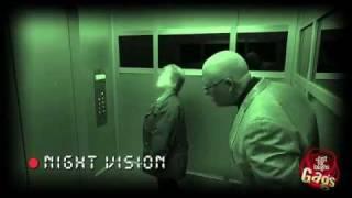 Смотреть онлайн Розыгрыш: фальшивый лифт