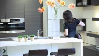 Смотреть онлайн Умный холодильник с сенсорным дисплеем