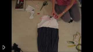 Смотреть онлайн Платье из старой рубашки и футболки