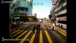 Смотреть онлайн Осторожно, неадекватные пешеходы!