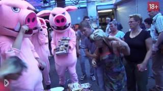 Смотреть онлайн Уличная массовая драка в Москве