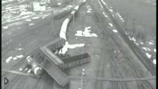 Смотреть онлайн Катастрофу поезда засняли на камеру