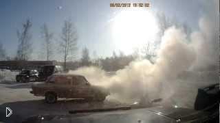 Смотреть онлайн В машине взорвался двигатель