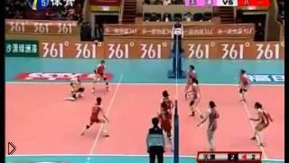 Смотреть онлайн Невероятная распасовка мяча на женском волейболе