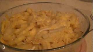 Смотреть онлайн Как приготовить картошку в микроволновке с сыром