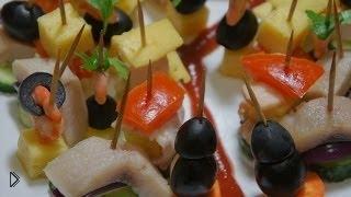 Смотреть онлайн Простые рецепты вкусных канапе на шпажках: девять вариантов