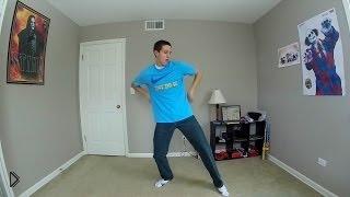 Смотреть онлайн Парень классно танцует дома под музыку 100 дней