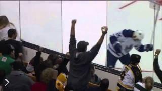 Смотреть онлайн Нарезка жестких моментов в хоккее