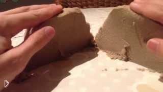Смотреть онлайн Живой кинетический песок для детей