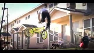 Смотреть онлайн Как делают самые крутые трюки на велосипеде bmx