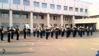 Смотреть онлайн Оркестр исполняет Oppa Gangnam Style