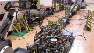 Смотреть онлайн Огромный механический аппарат из Лего