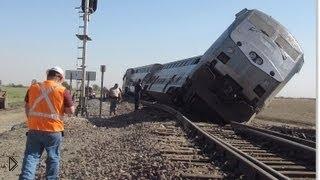 Смотреть онлайн Страшные катастрофы: столкновения поездов