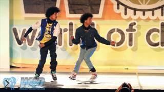Смотреть онлайн Мега крутой танец двух близнецов