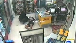 Смотреть онлайн Преступник умер во время ограбления