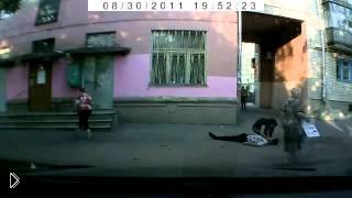 Смотреть онлайн В пьяной драке парень убил мужчину кирпичом