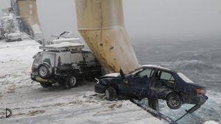 Смотреть онлайн Дикий ледяной шторм в открытом океане 23 марта 2013