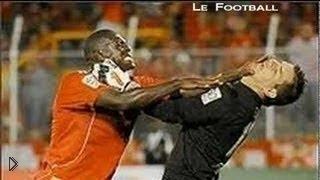 Смотреть онлайн Подборка драк хулиганов на футбольном поле