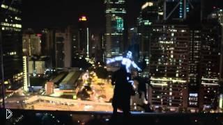 Смотреть онлайн Реклама Лексус 2014: светящиеся паркуристы