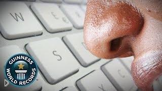 Смотреть онлайн Рекорд Гиннеса: парень быстрее всех печатает носом