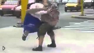 Смотреть онлайн Неожиданная концовка танца двух кукол