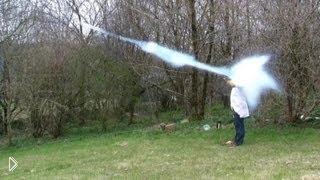Смотреть онлайн 10 случайных поведений жидкого азота