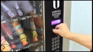 Смотреть онлайн Как получить шоколадку из автомата не потратив денег