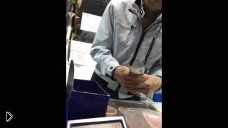 Смотреть онлайн Наркоман просит у продавщицы что нибудь попить