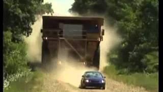 Смотреть онлайн Гонка грузовиков по бездорожью - БелАзы