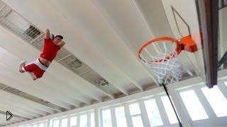 Крутой баскетбольный фристайл с мячом - Видео онлайн