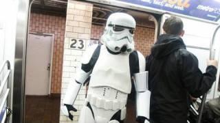 Смотреть онлайн Флешмоб Звездные войны в американском метро
