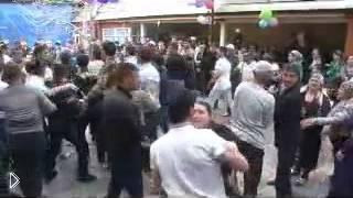 Смотреть онлайн Пьяная драка на свадьбе в Дагестане