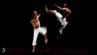 Смотреть онлайн Эффектное исполнение капоэйры (Capoeira)
