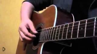 Смотреть онлайн Как научиться играть песни на гитаре перебором