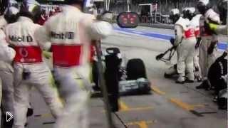 Смотреть онлайн Гонщик Формулы-1 перепутал пит-стоп
