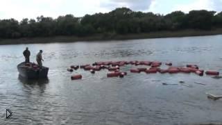 Смотреть онлайн Мужики случайно утопили грузовик в реке