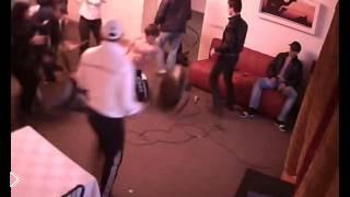 Смотреть онлайн Жесткие драки в ночном клубе Белая Сова