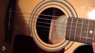 Смотреть онлайн Урок, какой выбрать и как играть медиатором на гитаре
