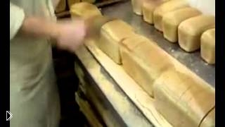 Армейский прикол как работает хлеборез - Видео онлайн