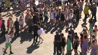 Смотреть онлайн Свадебный флешмоб в Казани