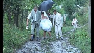 Смотреть онлайн Русская свадьба против русских дорог