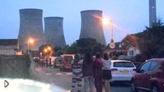 Смотреть онлайн Взрыв трех огромных башен в Оксфорде