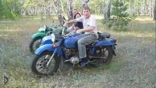 Смотреть онлайн Бешеный Урал сбросил всадника в березовой роще