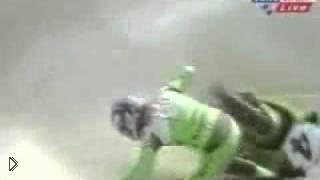 Смотреть онлайн Гонщик не справился с управлением - мотоцикл взорвался