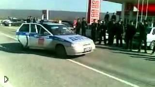 Смотреть онлайн Беспредельная уличная гонка дагестанцев и облом ДПС