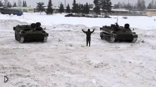 Армейские гонки на БТРах во время учений зимой - Видео онлайн