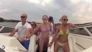 Смотреть онлайн Фейл с гламурными девушками на яхте