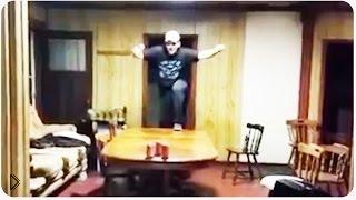 Смотреть онлайн Пьяный парень упал со стола