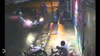 Кровавое избиение людей острыми мачете - Видео онлайн
