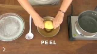 Смотреть онлайн Лайфхак: как почистить вареную картошку за 1 секунду